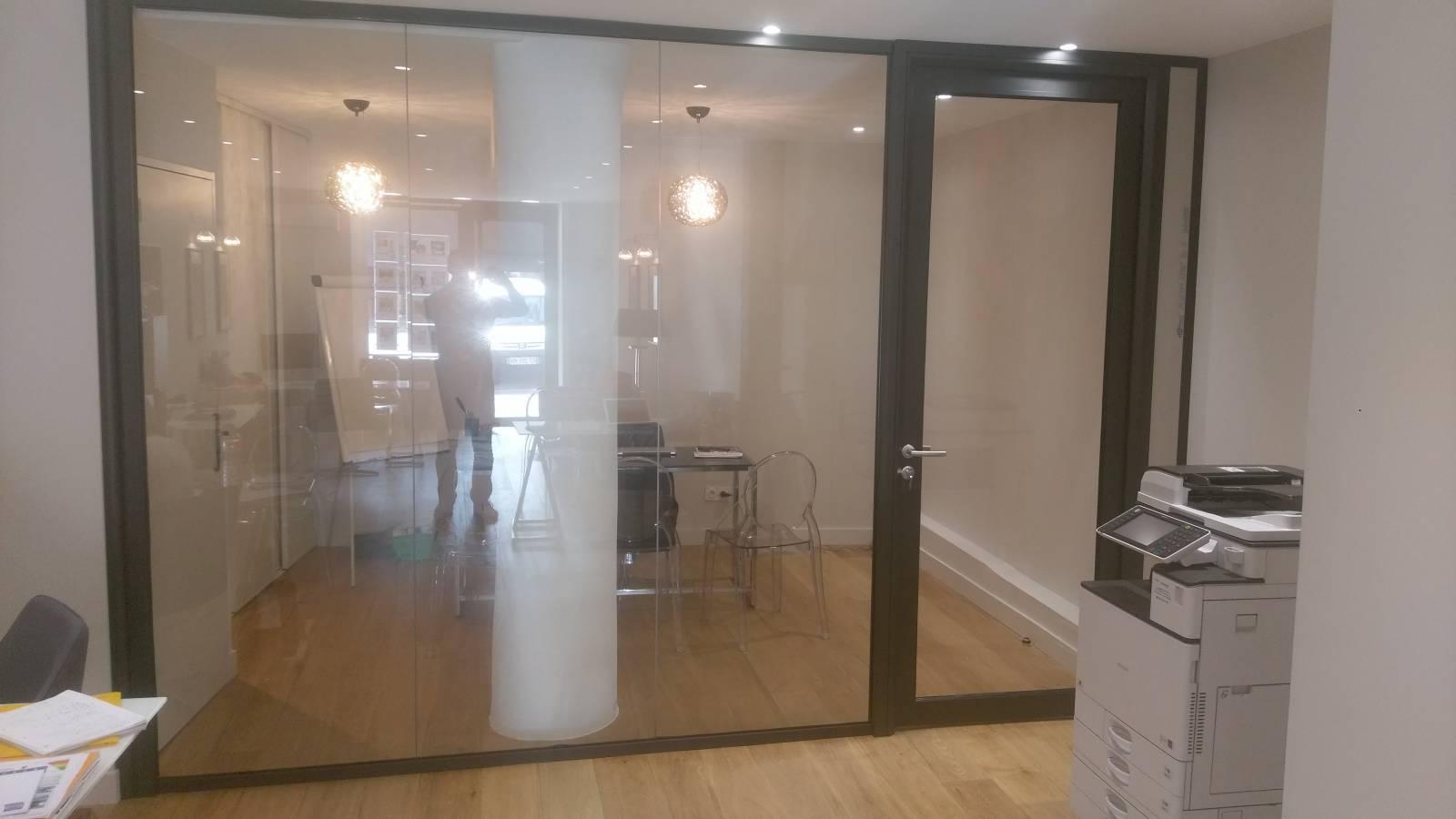 pose de cloisons vitr es aix en provence aix en provence nation cloison. Black Bedroom Furniture Sets. Home Design Ideas